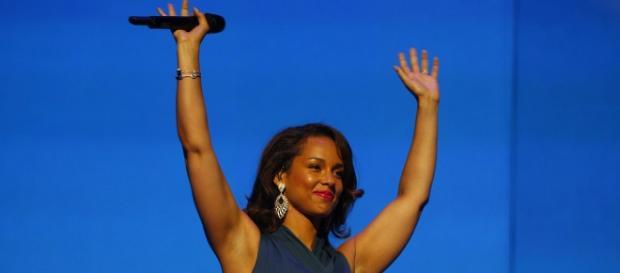 Alicia Kiss cantará en la final de la Champions