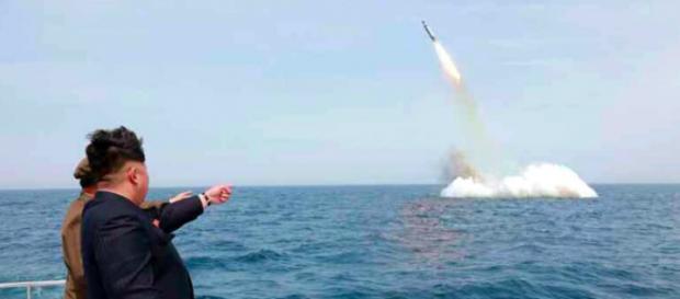 Kim Jong-un testa missili balistici intercontinentali. Immediata la reazione di Obama.