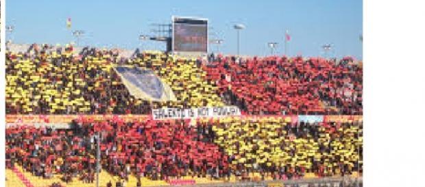"""Un'immagine dello stadio """"Via del mare"""" di Lecce."""