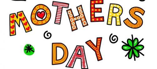 Auguri Festa della Mamma, 8 maggio 2016: frasi e video divertenti