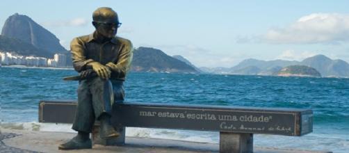 Estátua de Carlos Drummond (Copacabana)