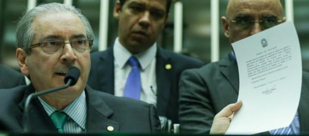 Eduardo Cunha prepara queixa contra ofensas em plenário