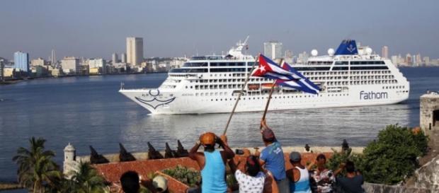 El 'Adonia' tuvo un gran recibimiento por parte del pueblo cubano