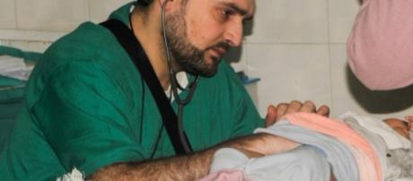 Tragedia en Siria, muere el último pediatra de Alepo en bombardeo al hospital