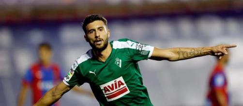 Borja Bastón, máximo goleador en el Eibar