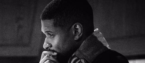 Usher gives Snapchat an eyeful. [Image via Instagram]