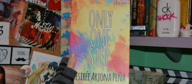 El libro Only One Step de la autora Desirée Arjona