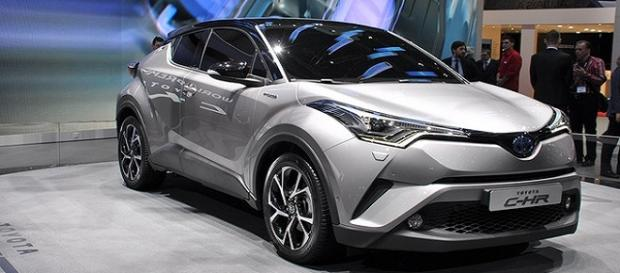La nuova Toyota C-HR, disponibile a dicembre