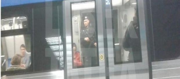 Jandarmi în metrou.Sursa foto libertatea.ro