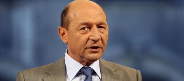 Traian Băsescu dă de pământ cu Irimescu și Cioloș