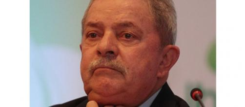 Ex-presidente Lula foi implicado em recebimento de propina pelo engenheiro Zuleido Veras, desde a década de 80.