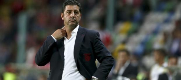 A história do técnico do Benfica ainda é noticiada