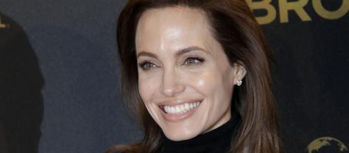 A atriz Angelia Jolie internada em estado grave.