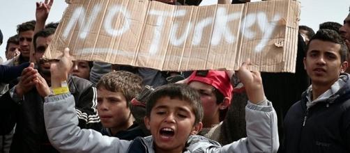 Llegan a Turquía los primeros refugiados deportados desde Grecia