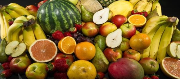 Fotografía de una gran variedad de frutas.