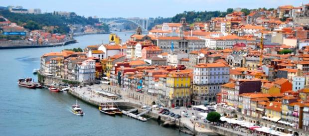 Cores vibrantes são algumas das características de Porto