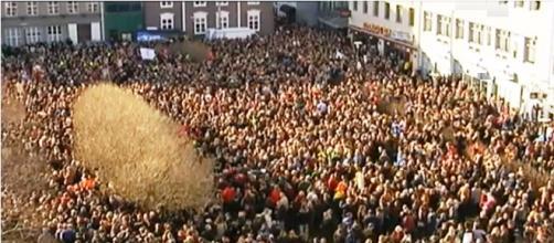 Miles de personas pidieron la renuncia del primer ministro Euronews