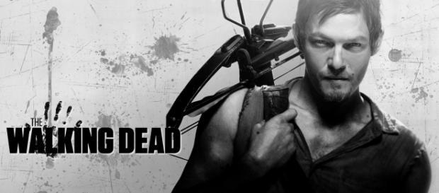 Nuestro Daryl, armado con su preciada ballesta