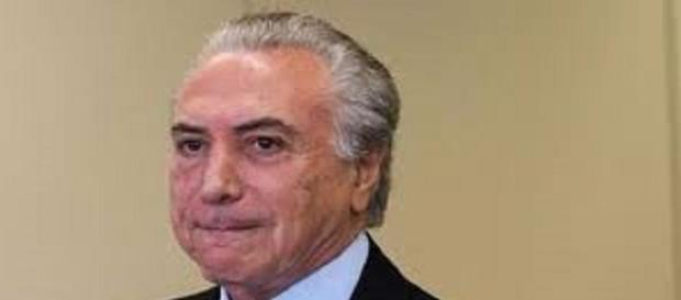 Temer está nas mãos de Eduardo Cunha