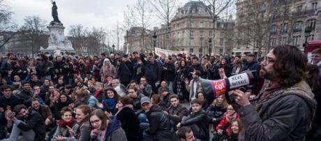 Como no podía ser de otra manera, el centro neurálgico de este movimiento es la emblemática Plaza de la República, en París