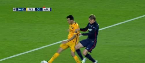 La jugada entre Busquets y Torres que acabó con el segundo expulsado.