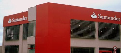Santander planea el recorte de un máximo de 1.200 puestos de trabajo