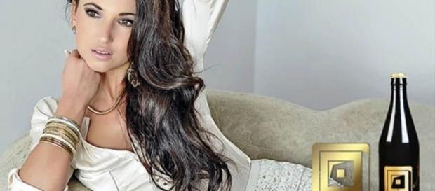 Alexandra Brendlova en la imagen promocional de Yoni