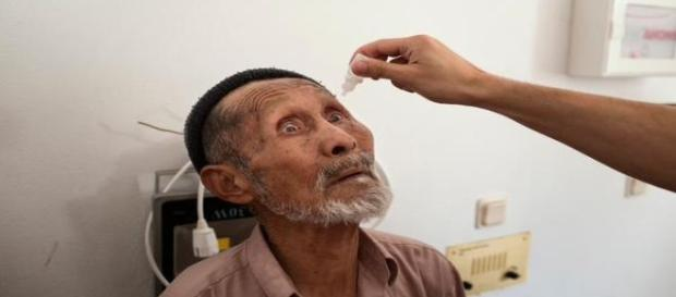 Inmigrante recibe atención sanitaria. MSF