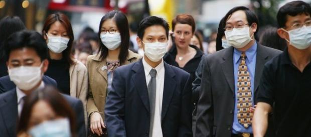No Japão utilizar máscaras para proteção contra doenças é comum (Foto: Reprodução/CNN)