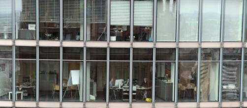 Farfetch com ofertas de emprego em Portugal e estrangeiro