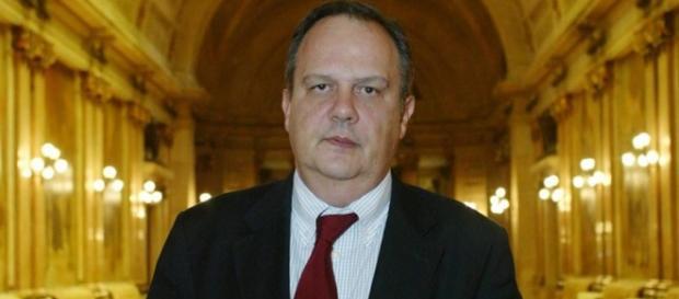 Ministro da Cultura-João Soares