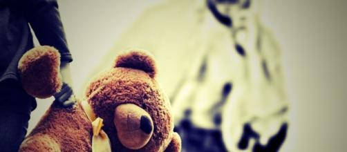 Criança vitima de abuso com apenas dez anos.