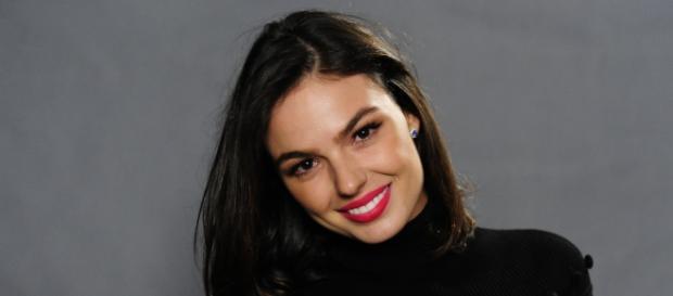 Ísis Valverde é Katrina em 'Amor.com'