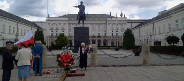 Przed Pałacem Prezydenckim. Fot. K.Krzak