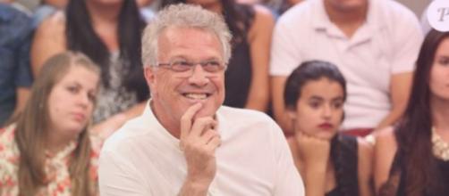 Pedro Bial se mostra encantado com Ana Paula no 'Altas Horas'