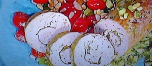 Polpettone di vitello con zucchine e pomodorini