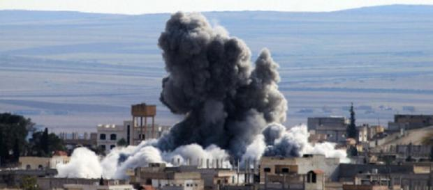 Bombardamento statunitense a Mosul (Iraq)