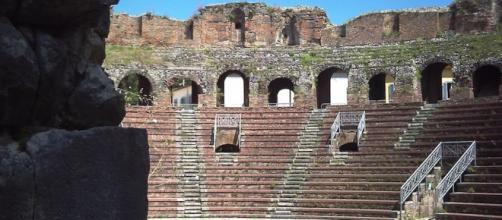Il Teatro Romano di Benevento, perla della città che mercoledì 11 maggio ospita il Giro d'Italia