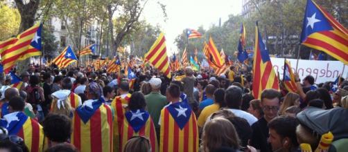 Poco ha durado la prohibición y miles de catalanes podrán exhibir la estelada.