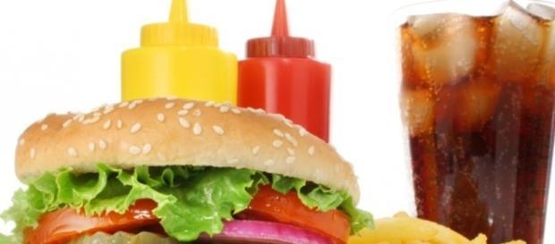 Esses alimentos fazem mal para a saúde gerando risco de câncer entre outras doenças