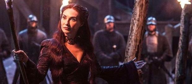 Melisandre resucitó a Jon y pronto se desvelará el secreto del joven