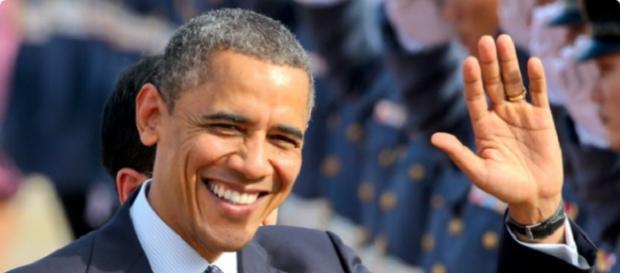 Obama sonriendo y saludando hace unos años