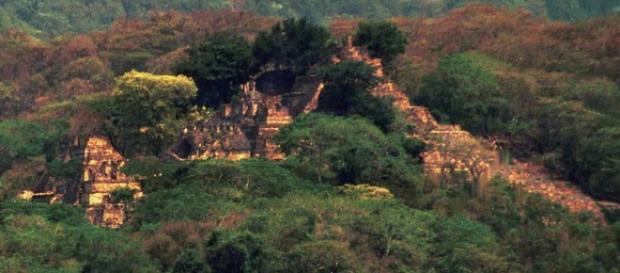 Oras mayas descoperit in jungla