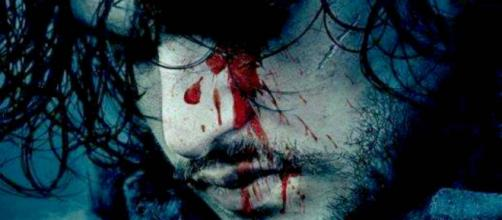 Enquanto todos estavam ansiosos para descobrir o destino de Jon Snow, o ator Kit Harington revelou spoilers a um policial para não receber uma multa.