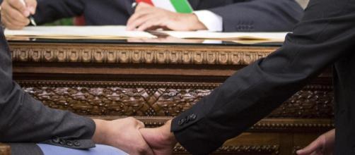 Governo Renzi ok alle unioni civili ora è legge