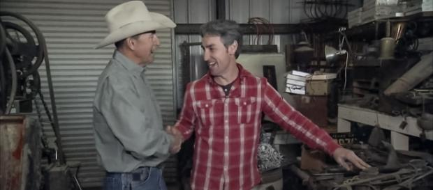 'American Pickers' - 'Tick Tock Pick' screencap via History Channel