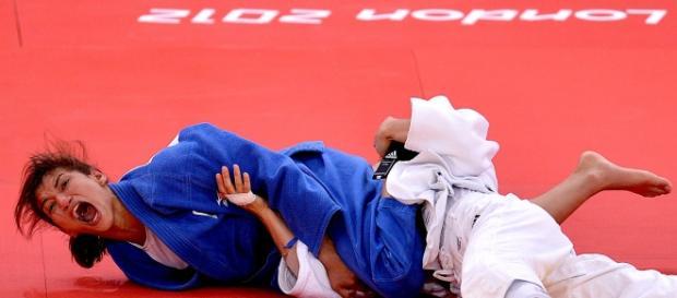 Sarah Menezes entrou na história por ser a primeira mulher a levar o ouro no Judô em 2012