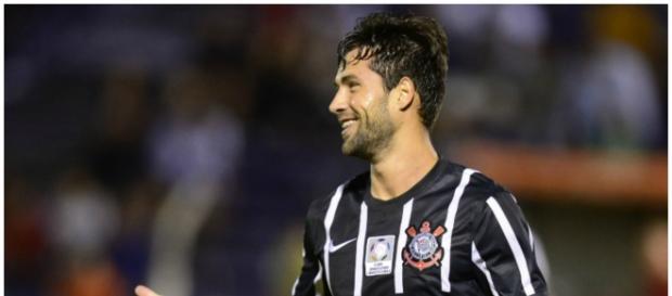 Zagueiro Felipe vai jogar no Porto