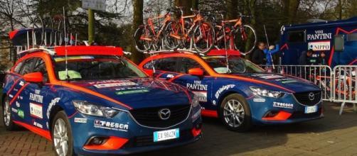 Le ammiraglie della Nippo-Vini Fantini, il team di Damiano Cunego che punta alla maglia azzurra al Giro 2016