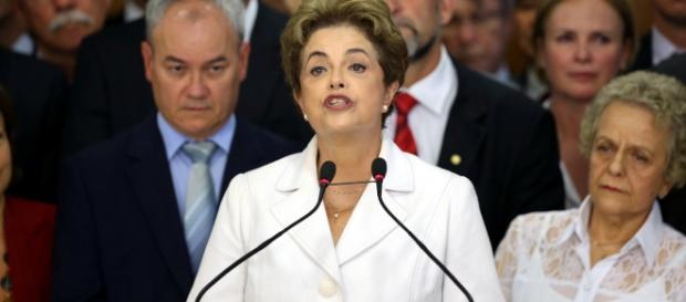 Após decisão no Senado Federal, presidente Dilma Rousseff ficará afastada por 180 dias.